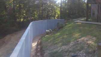 Poured Retainer Wall for Swimming Pool