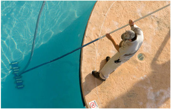 Earl's Services and Cleans Your Pool and Hot Tub